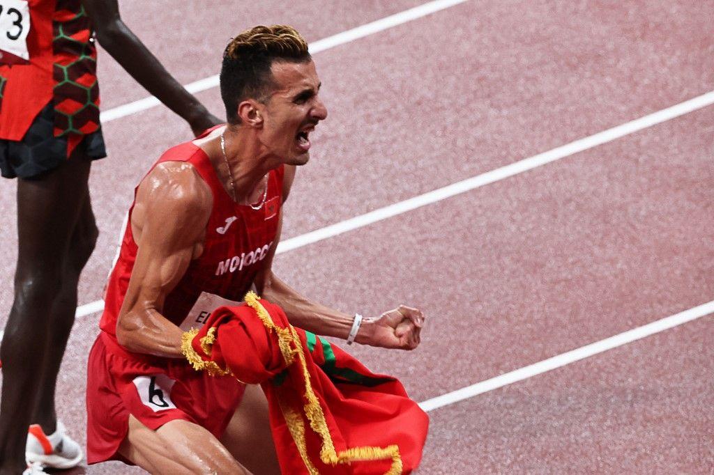 المغربي سفيان البقالي يتوج بذهبية سباق 3 آلاف متر موانع