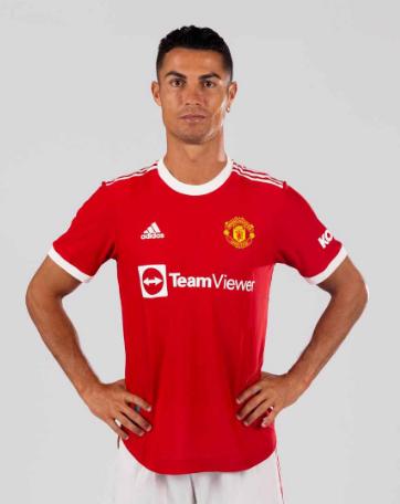 بالصور.. كريستيانو رونالدو بقميص مانشستر يونايتد
