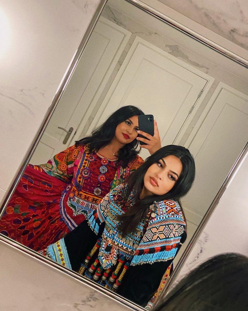 بالصور.. أفغانيات في الخارج يرفضن انتهاكات طالبان بالأزياء التقليدية