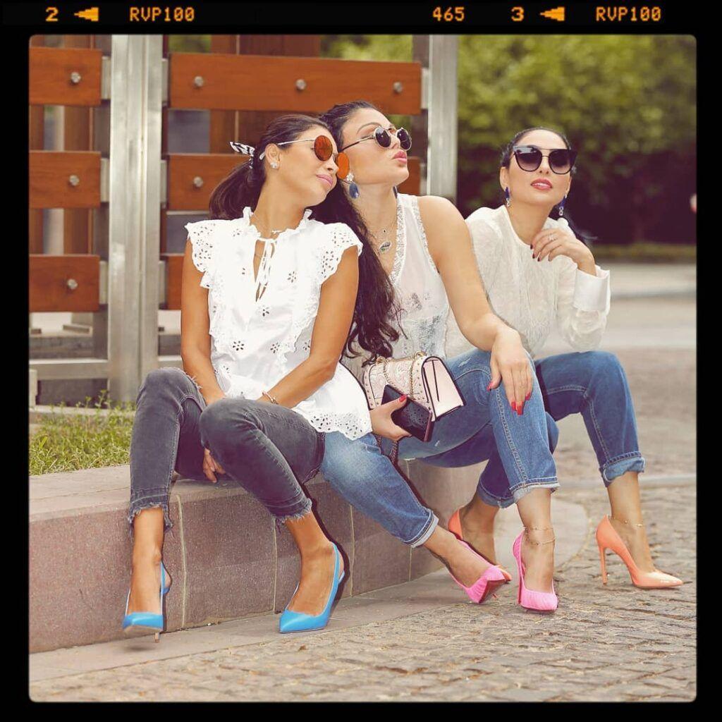 ماذا تعرف عن علاقة هيفاء وهبي بشقيقاتها؟