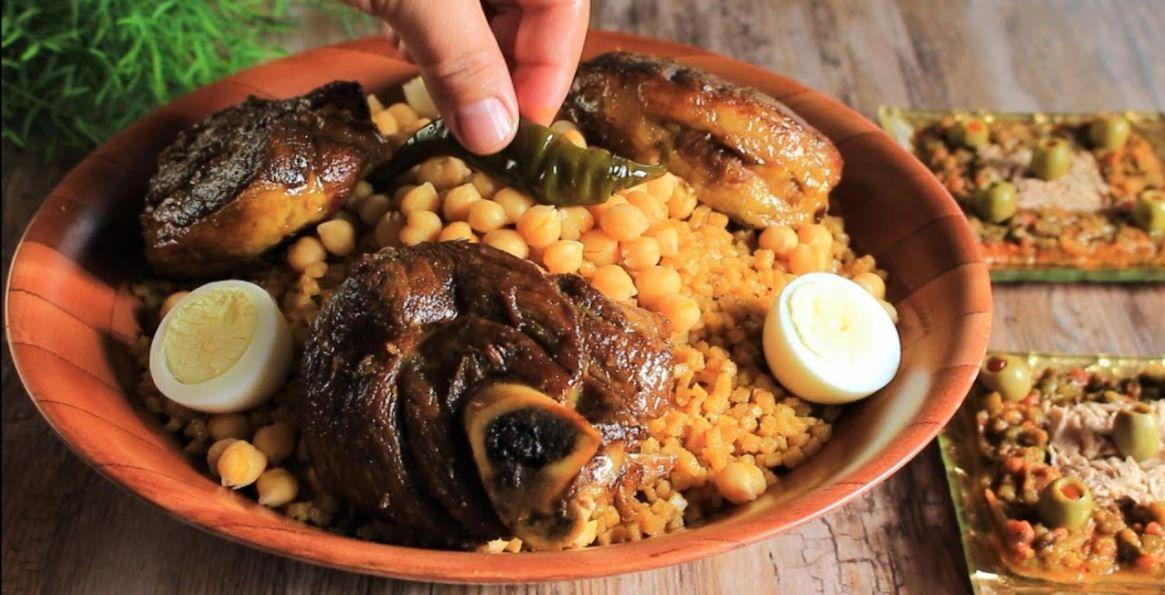 الكسكسي، الشخشوخة و الرشتة...تعرّف على أبرز الأكلات الجزائرية