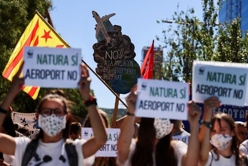 الخوف على المناخ يحفز الاحتجاجات ضد توسيع مطار برشلونة