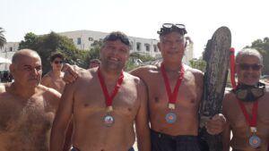 أكثر من 60 رياضيًا يشاركون في تظاهرة عبور خليج الحمامات