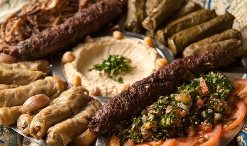 أشهر 10 أطباق شعبية من المطبخ العربي عليك تجربتها