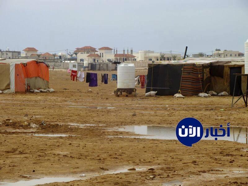 بالصور: خارج مخيم الزعتري .. الخيام الجديدة للتغريبة السورية